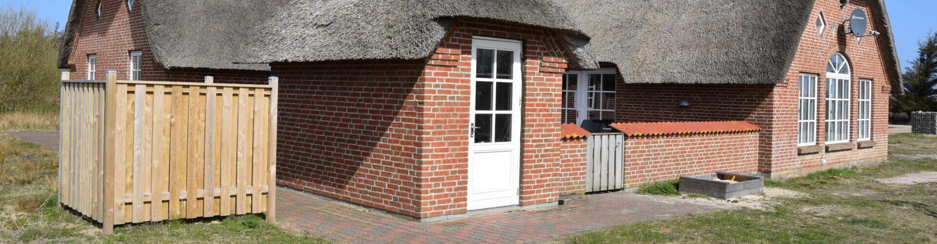 Poolsommerhus med luft/vand varmepumpe